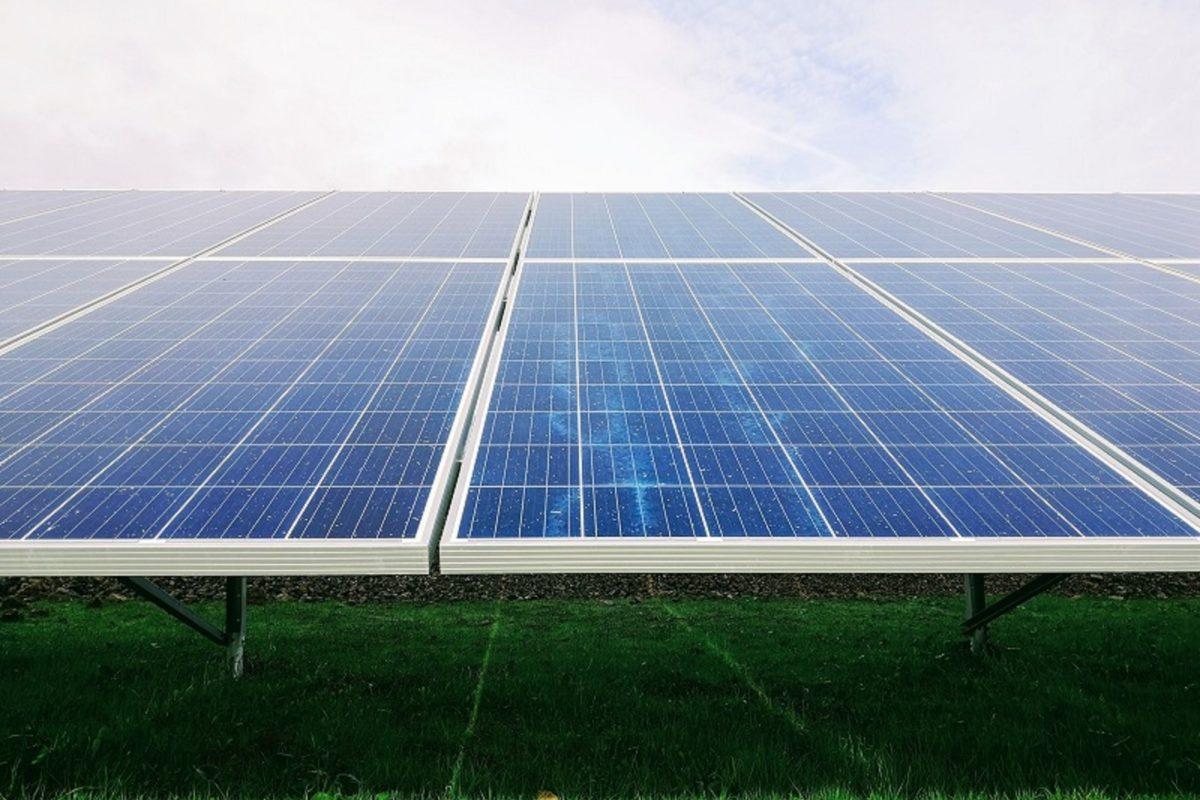 Amazon, ABD ve İspanya'da üç güneş enerjisi projesi planlıyor